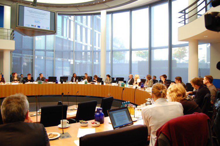 """Round Table """"Investment in Streumunition"""", Deutscher Bundestag, 22.9.2011"""